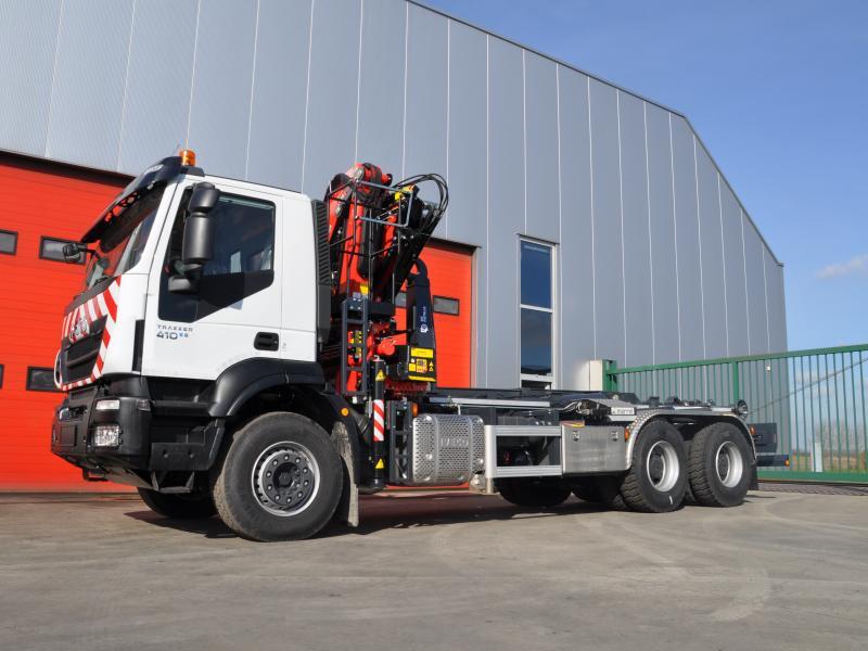 Afgeleverd vrachtwagen voor stad oudenaarde de patrijs for Vrachtwagen kipper met kraan